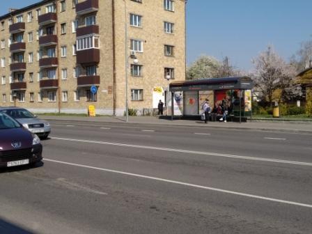 реклама на остановке ул. черняховского, А